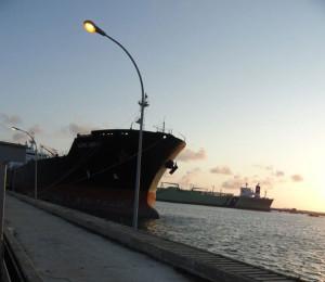 Fórum denuncia descarregamento irregular que coloca em risco o porto Suape em Pernambuco