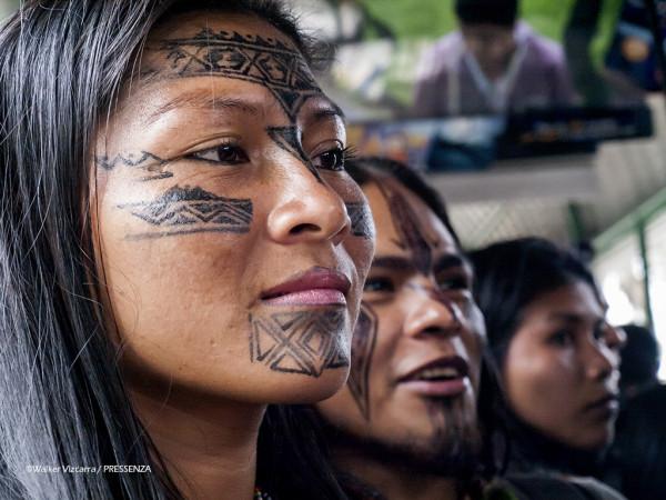 Marcha de las mujeres amazonicas en Quito
