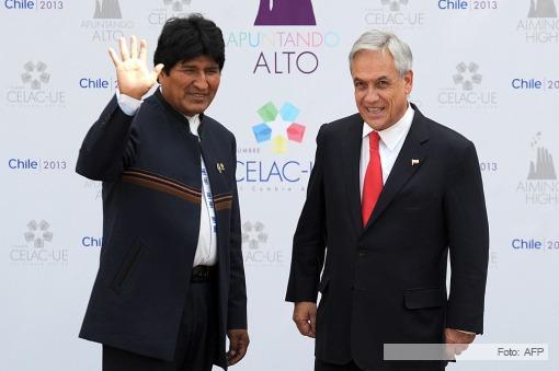 Correa apoyo la salida al mar de Bolivia y Piñera lo cruzó