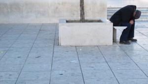 Crescente Vermelho e Cruz Vermelha alertam para aumento da pobreza na Europa