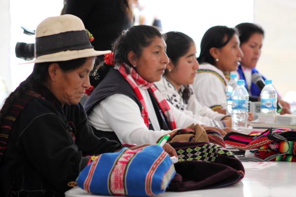 Foto- Reportaje: Mujer indígena y sus diversas formas de comunicación.
