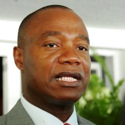Moçambique: governo admite observadores no diálogo com a Renamo