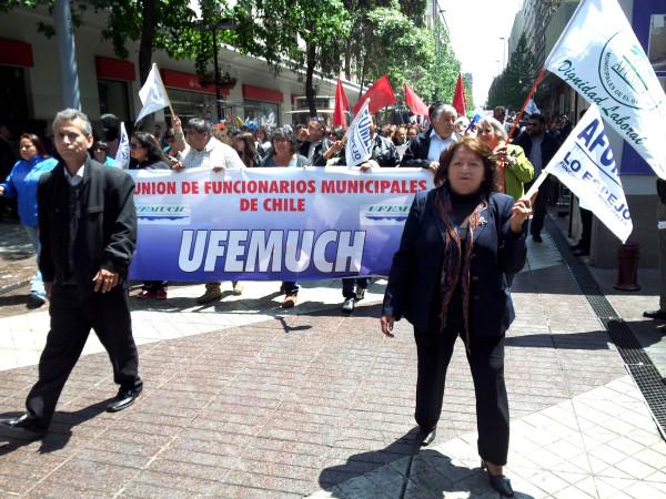 Chile: Se agudiza conflicto municipal por falta de transparencia en las negociaciones con el gobierno