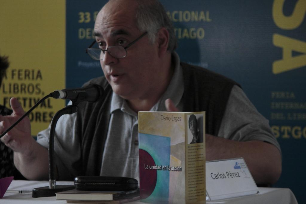 carlos perez presenta libro