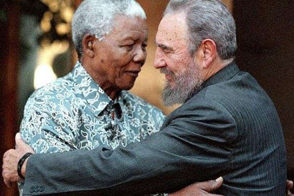 Fidel Castro : Mandela est mort. Pourquoi cacher la vérité sur l'apartheid ?