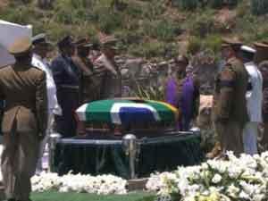 Madiba ya reposa en el Qunu de su infancia