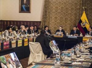 """Rafael Correa: """"Modello produttivo umanista ma con i piedi per terra"""""""