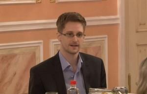 """Il New York Times e il Guardian chiedono clemenza per Snowden per """"il grande servizio reso al paese"""""""