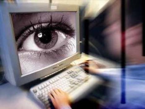 Enemigos de Internet: las instituciones en el núcleo del sistema de censura y vigilancia