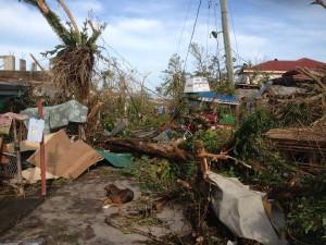Filippine: un giorno con le vittime del tifone Yolanda