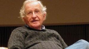 Chomsky: Stati Uniti responsabili dello sterminio dei popoli indigeni