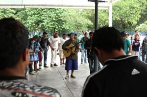 Índios guarani ocupam Pateo do Collegio em São Paulo para terem terra demarcada