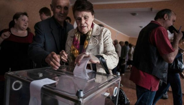 After Chaotic Autonomy Votes, Negotiations Could Be Sole Path to Prevent Ukraine's Disintegration