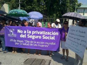 Honduras: Trabajadoras protestan porque el gobierno les adeuda más de 100 millones por maternidades