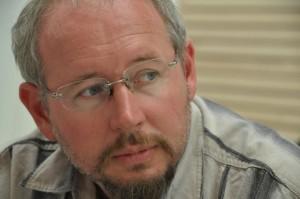 """""""Somos soledades que se buscan para organizarse por Ucrania"""": Oleg Yasinsky"""