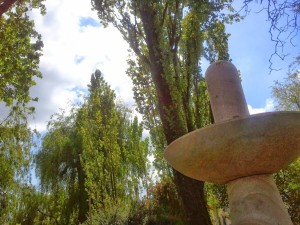 La création de la fontaine au parc d'étude et de réflexion « La Belle Idée » en France.