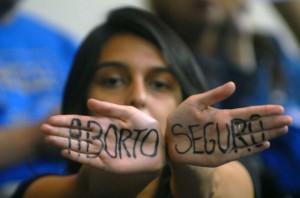 Chile y el aborto: El gobierno no puede ceder a los chantajes conservadores