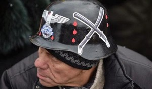 Ucrânia: governo de Kiev recruta fascistas para lutar no leste