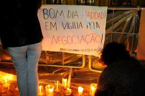 Professores de SP iniciam vigília em 29/05