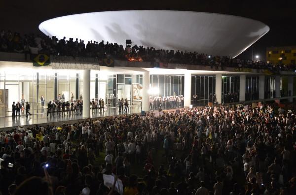 BRASILIA-CONGRESSO-NACIONAL-FINAL-Marcelo-Camargo-ebc1-600x396