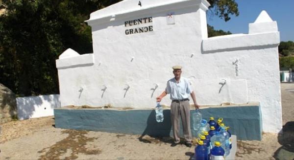 Primeros intentos municipales de recuperar la gestión pública del agua