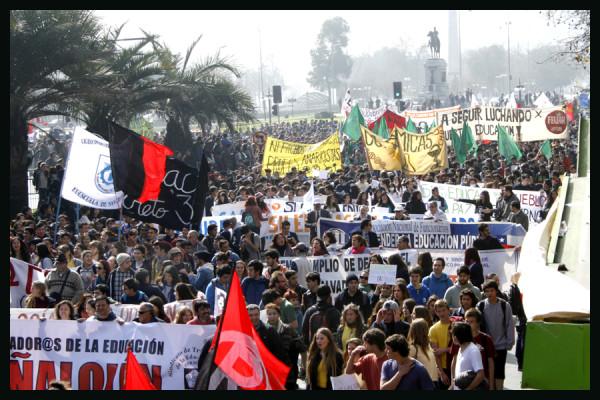 Marcha estudiantes-21 de Agosto-2014-Stgo-Chile (1)