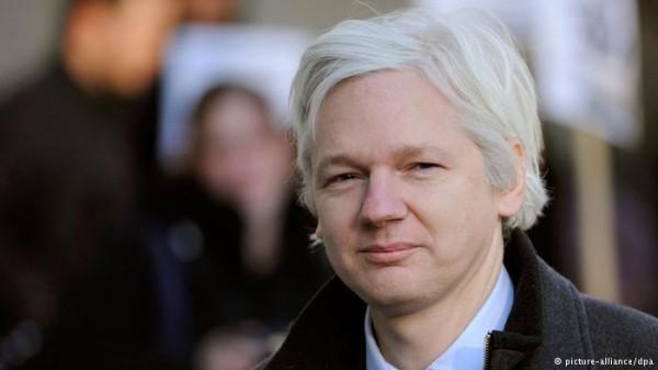 John Pilger on Julian Assange's Press Conference