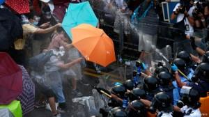 Llamada a la desobediencia civil en las calles de Hong Kong