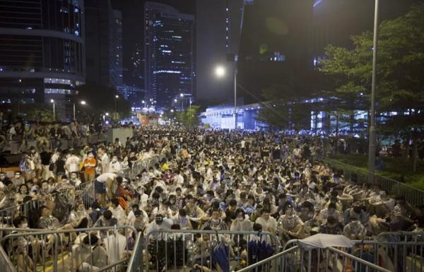 'Occupy Central' leva 80 mil pessoas às ruas de Hong Kong em protestos por mais democracia