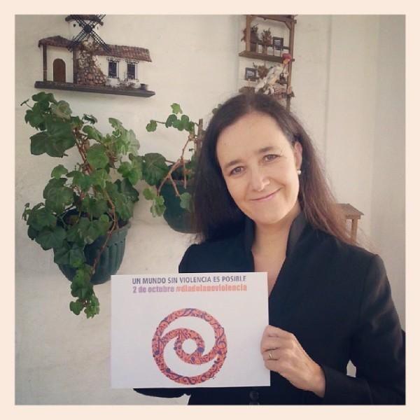 Margarita Laso schließt sich dem Internationalen Tag der Gewaltfreiheit an