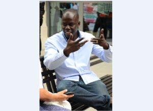 """Ousmane M'Baye : """"pour être non-violent, il est nécessaire de faire un travail permanent sur soi-même"""""""
