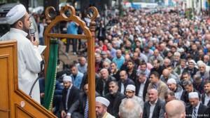 Muçulmanos fazem ato contra extremismo na Alemanha