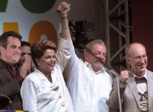 Dilma gana las elecciones presidenciales más reñidas de Brasil
