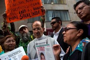 """""""Gobierno mexicano está empezando a sobornar a familiares de desaparecidos"""": Solalinde"""