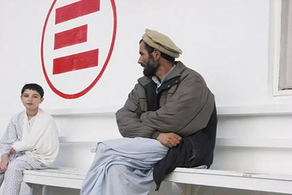 Afghanistan: mentre a Doha parlano di pace, i combattimenti infuriano nella provincia dell'Helmand