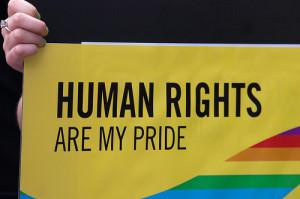 """Amnesty: """"L'Ue agisca per prevenire e punire i crimini omofobici e transfobici"""""""