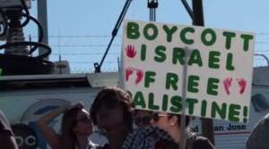 Activistas estadounidenses impiden entrada de buque israelí a Oakland