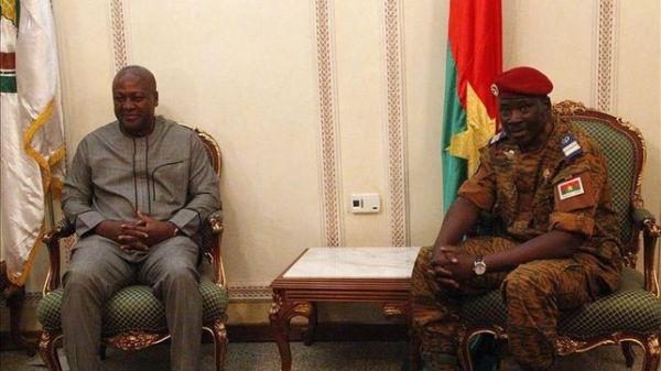 Isaac Zida quiere asegurar la continuidad democrática en Burkina Faso