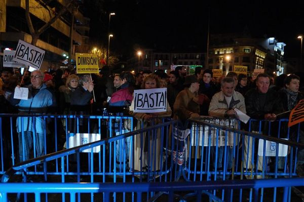 Podemos, le parti des Indignés, première force politique en Espagne ?