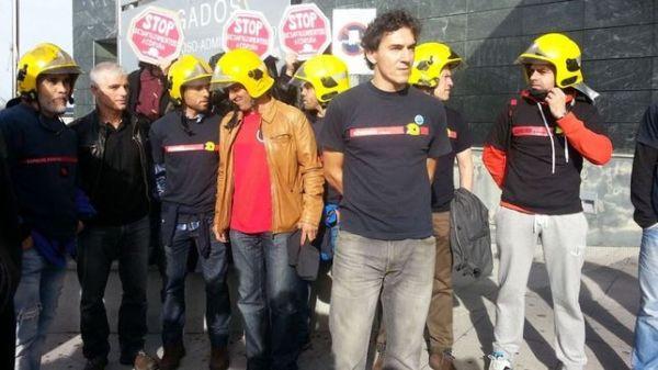En marcha la campaña para pagar la multa al bombero que se negó a desahuciar a una anciana