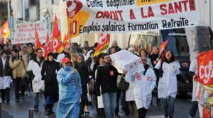 Trabajadores de Sanidad protestan contra la austeridad en Francia