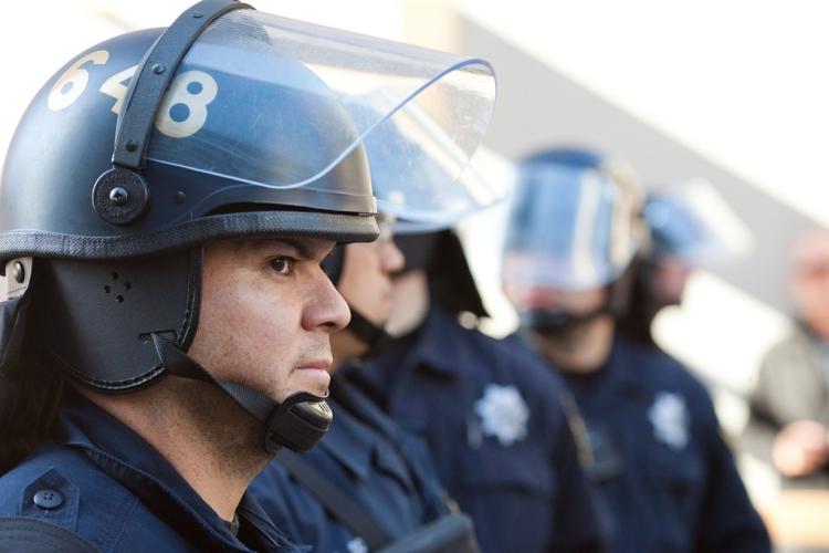 numeri identificativi per le forze dell'ordine - petizione