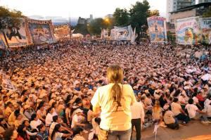 Más de 15 mil personas festejaron por las calles de Jujuy el aniversario de la Tupac Amaru