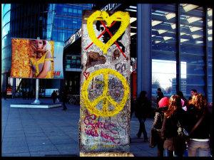 Dólares, Putin, Gorbachov, Berlín y las revoluciones de colores