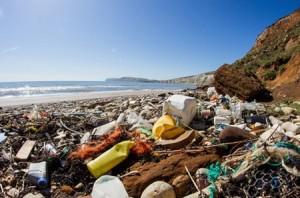5 billones de plástico destruyen los océanos