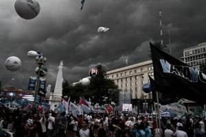 Argentina: 31 años de democracia ininterrumpida