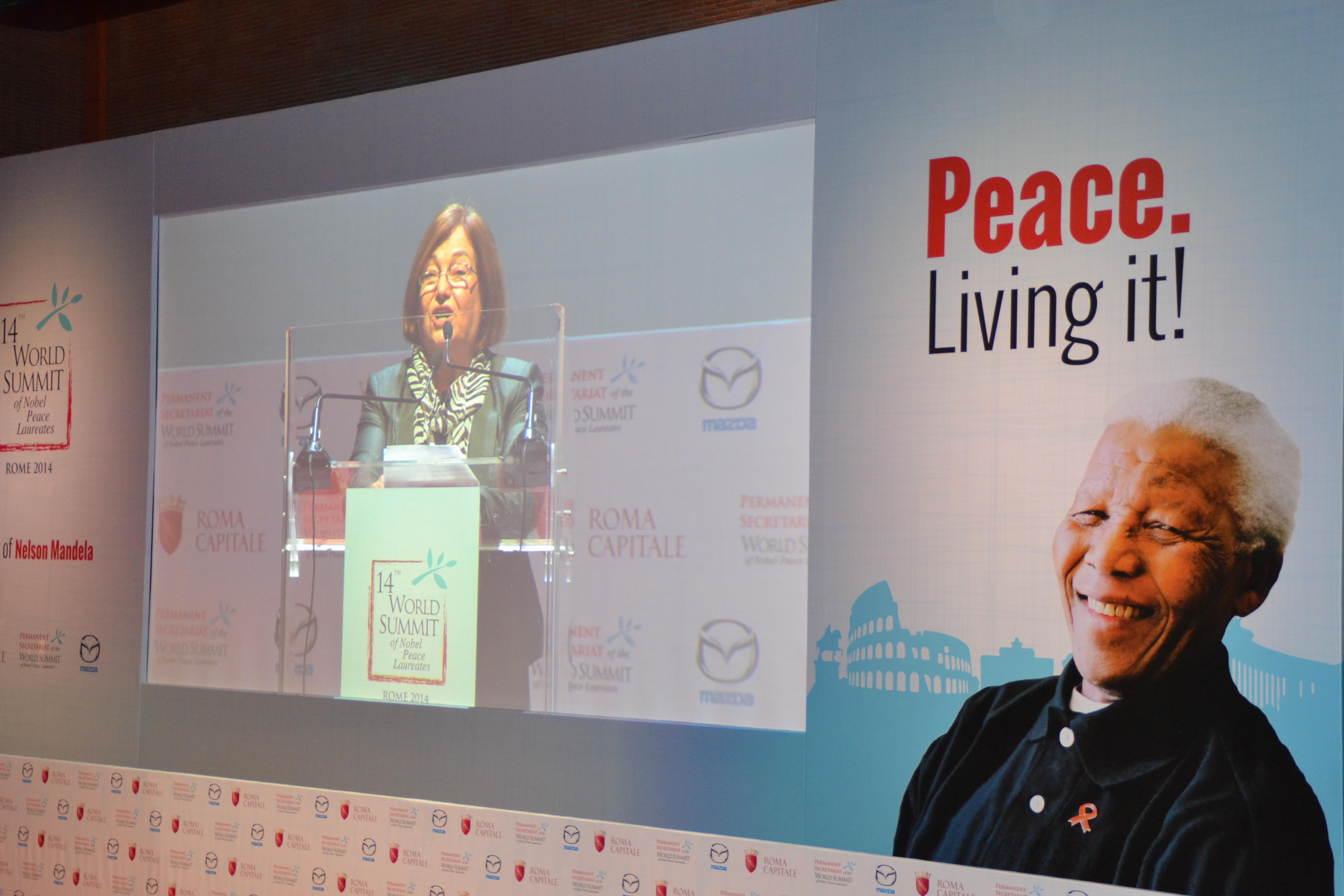 Cumbre de los Nobel: entrevista a Mairead Maguire