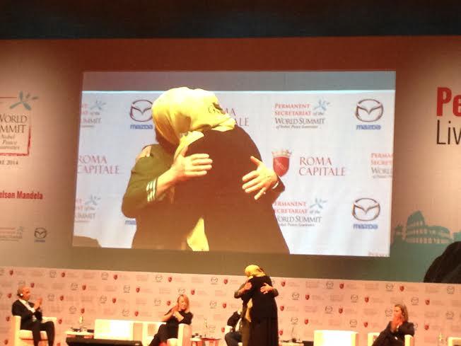 Pasión, abrazos, hipocresía y compromiso en el segundo día de la Cumbre de los Nobel de la Paz