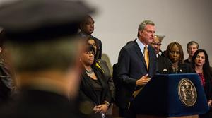 Alcalde de Nueva York: «siglos de racismo» explican brutalidad policial