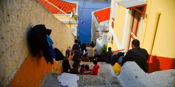 L'UE e la Grecia voltano le spalle ai rifugiati che sbarcano sulle isole greche